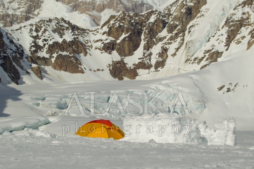 Camping on Kahlitna