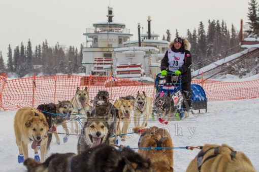 Jason Campeau runs the Iditarod